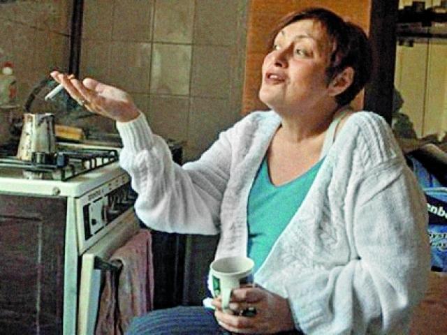 Настя позвонила матери только через 3 года. Девушка заболела, а медучреждение располагалось в 2 остановках от дома Лидии Николаевны. Мать навестила Анастасию, но из больницы ее забирала бабушка.