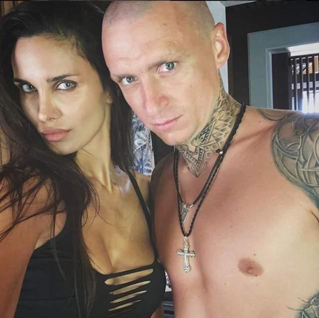 Осенью 2018 года после того, как Павел Мамаев попал вСИЗО в связи с дебошем в ресторане, Алана обвинила мужа в изменах с литовской проституткой.