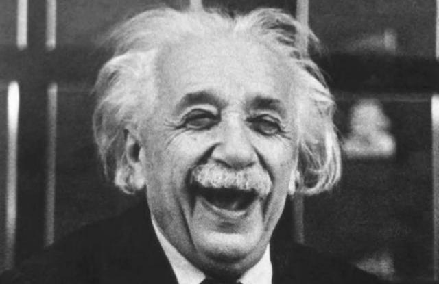 Также великий физик оформил документально регламент его весьма странных отношений с первой женой.