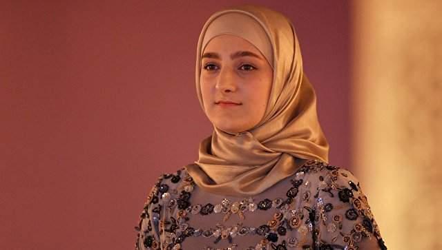 Рамзан Кадыров. Дочь чеченского лидера, Айшат, курирует модный бренд Firdaws с 8 марта 2016 года.