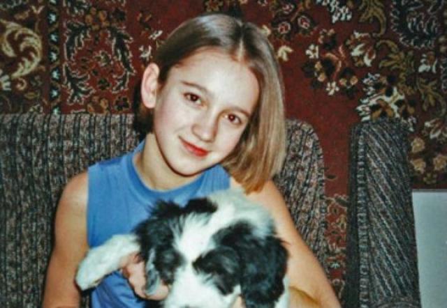 С детства Бузова была готова развенчать миф о глупой блондинке: с трех лет девочка учила английский, посещала школу немецкого языка, а также хорошо знала литовский, благодаря постоянному общению с родственниками, живущими в Литве.