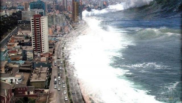 Один из множества снимков, которые появились в Интернете после цунами, обрушившегося на побережье Индийского океана в 2004 году. На самом деле это была фотография, сделанная в чилийской провинции Антофагаста с волнами, реалистично добавленными в Photoshop.