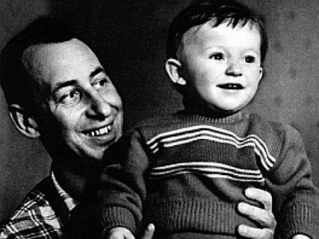 Роман развивался стремительно, по окончании съемок они поженились, а в 1959 году у них родился сын Володя. Но несмотря на разницу в возрасте в 11 лет и жизненный опыт, Владимир Басов не стал надежной опорой молодой супруге…