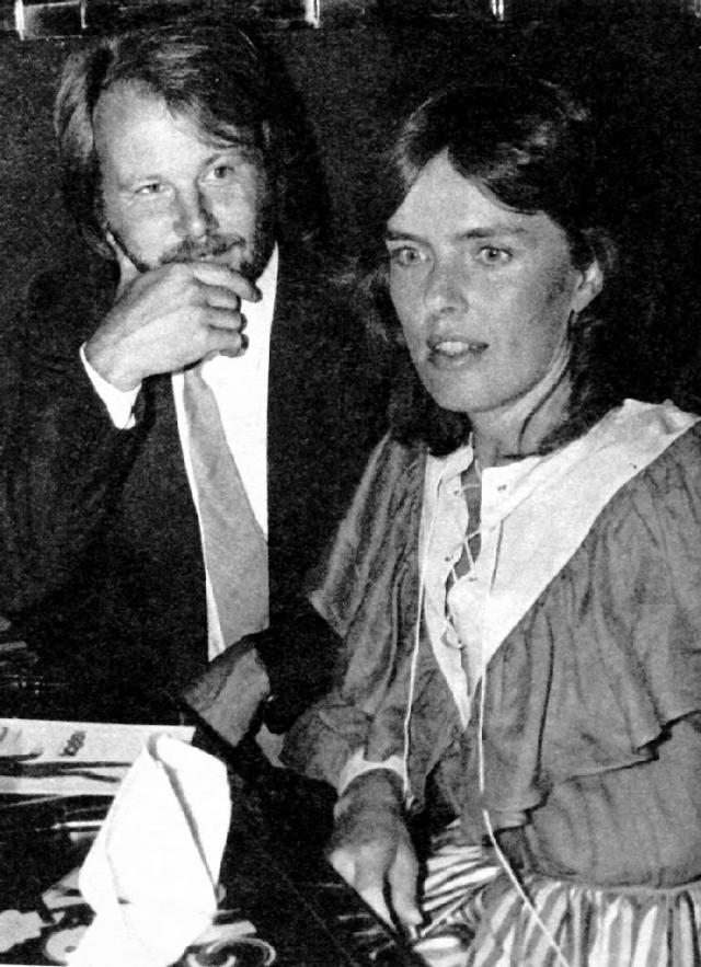 Бенни встретил другую женщину, Мону Норклит, на которой позже женился.