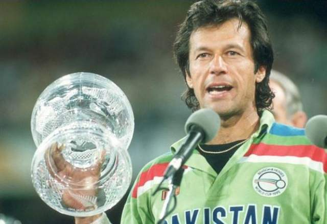 Легенда пакистанского крикета (на Индостане этот вид спорта – почти религия), сердце национальной команды, взявшей Кубок мира-1992 (в финале пала Англия).