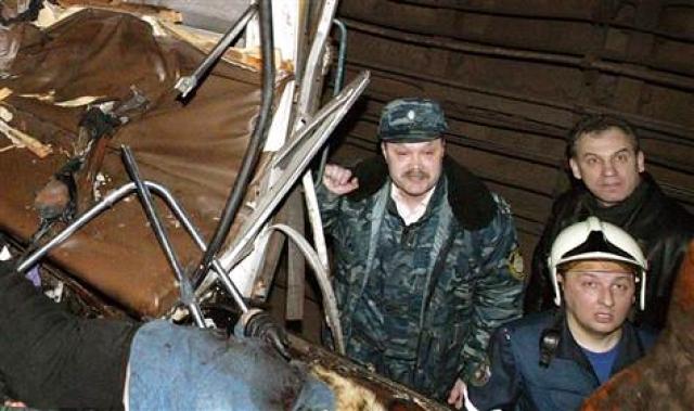 По данным следствия, он был причастен и к взрывам автобусных остановок в феврале и июле 2004 г. в Воронеже.