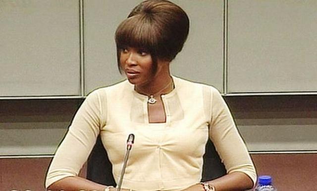 Кэмпбелл была вызвана в связи с эпизодом, произошедшем в 1997 году, когда на званом ужине у Нельсона Манделы Тейлор подарил ей один из алмазов, которые, по версии следствия, использовал для финансирования войны.