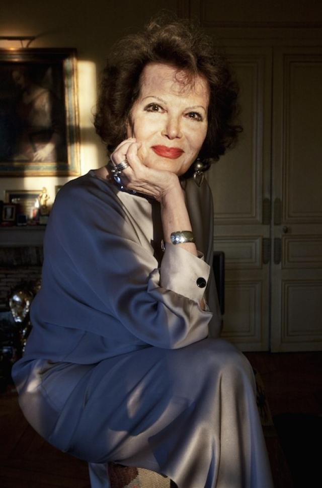 """За вклад в киноискусство в 1988 актриса получила итальянскую национальную премию """"Давид"""", в 1995 ей был вручен французский орден."""