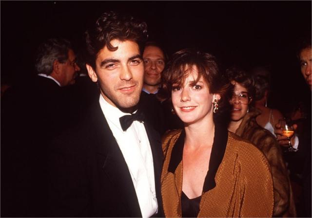Правда, через четыре года они развелись, и Клуни лишь недавно женился повторно на Амалии. А Талия в 1998-м выскочила за Джона Слэттери, с которым состоит в браке по сей день. А вот на экранах актриса появляется не слишком часто.