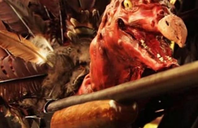 """Индейка в фильме """"День убиения"""" (2009). Индейка, терроризирующая студентов на День благодарения, что может быть более жутким?"""