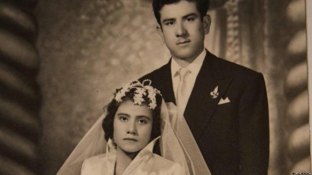 """От интервью, предложенного агентством """"Рейтер"""" в 2002 году, самая молодая мать в истории отказалась. Лина вышла замуж за Рауля Хурадо, от которого она родила второго сына в 1972 году."""