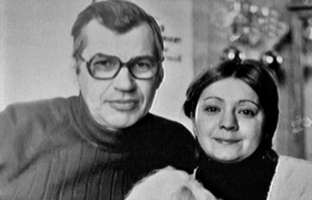 Татьяна тонко чувствовала, что чувствует ее муж, а 17 июля 1990 года она уехала на дачу. После перелома ноги у него оторвался тромб, а спустя два дня он умер в больнице.