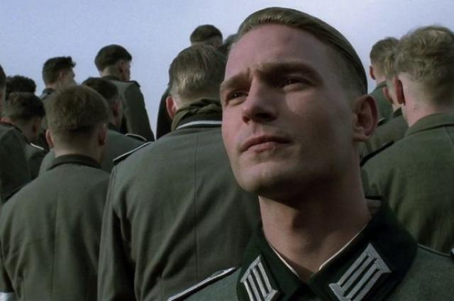 """Кстати, более 20 лет назад Кречман дебютировал в немецком фильме """"Сталинград"""" режиссера Йозефа Вильсмайера. Это была картина о том, как группа немцев замерзла насмерть под Сталинградом."""