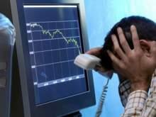 На фондовых рынках произошел рекордный обвал, потянувший вниз рубль