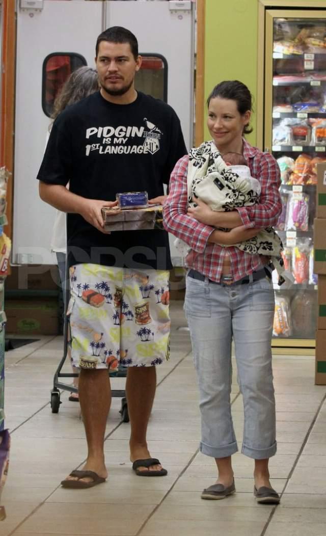 С мая 2010 года Эванджелин и Норман счастливы в гражданском браке и воспитывают двоих детей.