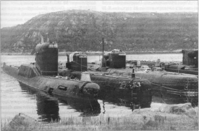Моряки принялись мастерить новую систему охлаждения. Радиоактивный фон в субмарине катастрофически возрос, из-за чего 42 матроса получили большую дозу облучения.
