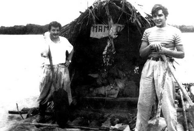 В 1950 году, уже в качестве студента, Эрнесто нанялся матросом на нефтеналивное грузовое судно из Аргентины, побывал на острове Тринидад и в Британской Гвиане.
