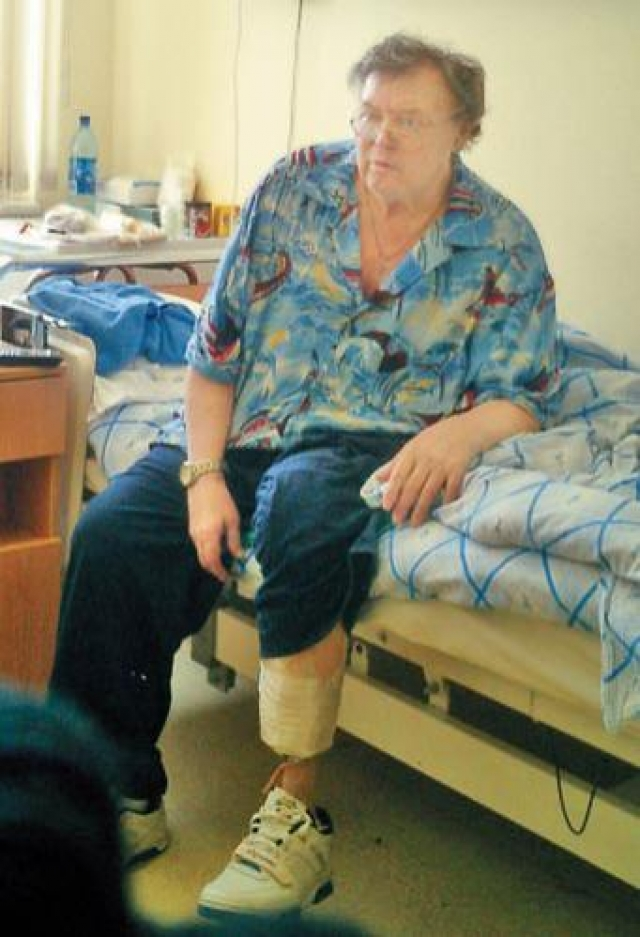 В 2006 году из-за осложнения болезни актеру была произведена ампутация второй ноги. 31 мая 2009 года скончался на 75-м году жизни в 16:30 по московскому времени в своей московской квартире.