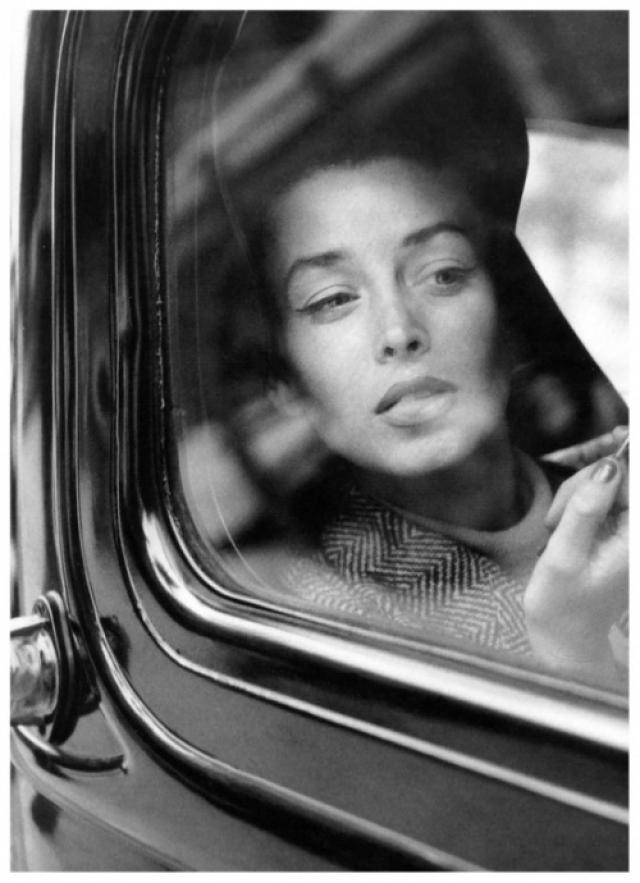В 1944 году одна из коллег посоветовала Дориан попробовать себя в модельном бизнесе.