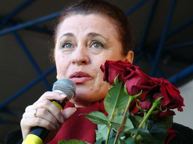 Валентина Толкунова (63 года). Борьбу с раком Толкунова вела несколько лет. В 2009 году ей удалили опухоль в мозгу, ранее была сделана мастэктомия, проведены несколько курсов химиотерапии. Однако в 2010 болезнь начала резко прогрессировать.