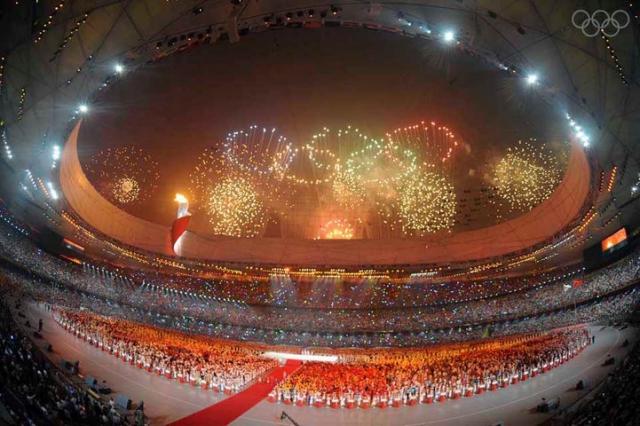 Пекин-2008. В подготовке церемоний открытия и закрытия китайские организаторы подошли очень дотошно, но и тут не обошлось без скандала…