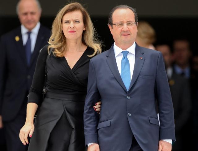 Его гражданская супруга Валери Триервейлер уверяет, что узнала о романе 59-летнего мужа с 41-летней актрисой еще до публикации статьи, и об этом ей рассказал сам Олланд.