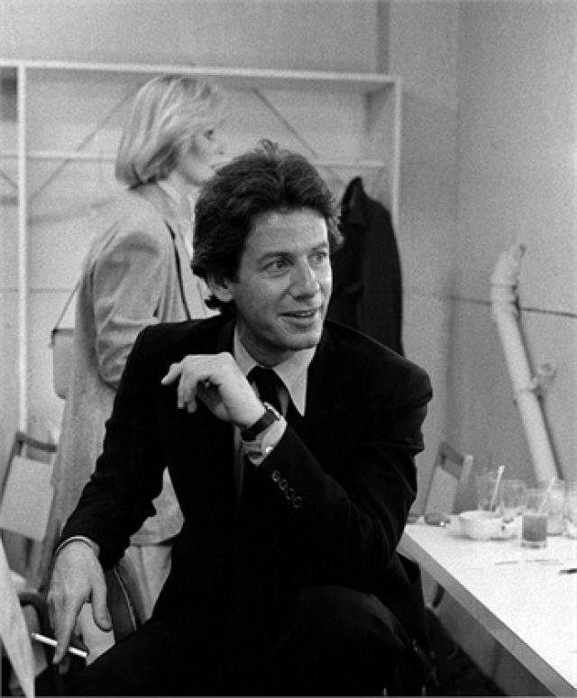 Кельвин Кляйн. Будущий модельер родился 19 ноября 1942 года в Бронксе, округе Нью-Йорка, в еврейской семье. Отец его был предпринимателем средней руки.