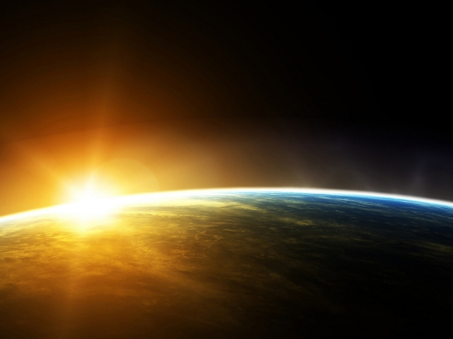 """Почему это происходит, ученые ответить не могут. Если скорость удаления Земли не изменится, то """"замерзание"""" планеты наступит через сотни миллионов лет. Но если скорость вдруг увеличится?.."""