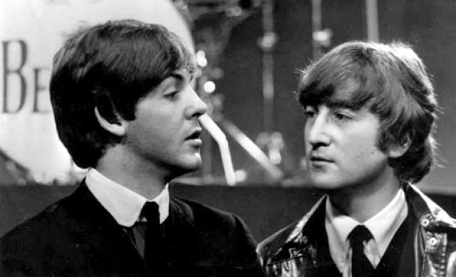 За всю историю группы Джон Леннон на пять раз чаще (102) был ведущим вокалистом в песнях группы, чем Пол Маккартни (97).