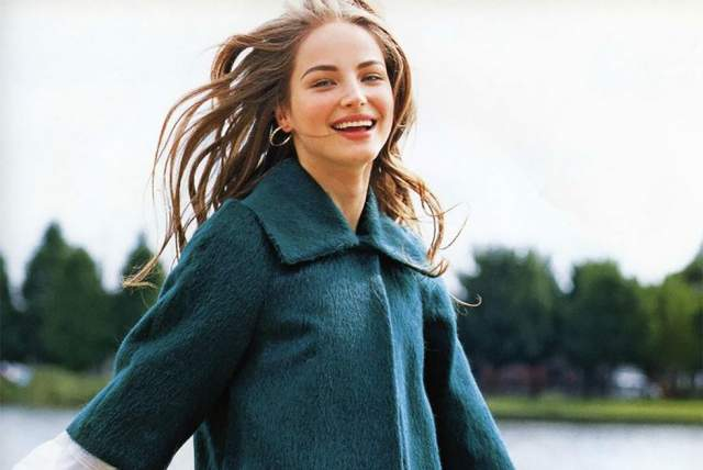 Руслана Коршунова В конце июня 2008 года, за несколько дней до своего 21-летия, модель Руслана Коршунова выпала из окна своей квартиры на девятом этаже на Манхэттене и разбилась. В 205-м ее назвали одним из главных открытий Нью-Йоркской недели моды. К 2008 году она приняла участие в рекламных компаниях DKNY, BCBG, Clarins, Old England и др.