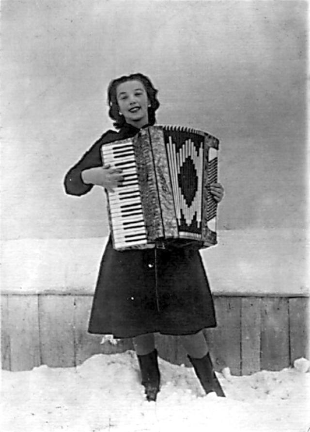 """Лидия Русланова, 1900-1973. Мама знаменитой исполнительницы """"Валенок"""" и других русских народных песен умерла, когда Прасковья Лейкина (такое имя будущей певице дали при рождении) было три года."""