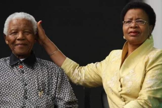 Графа Симбине и Нельсон Мандела Графа Симбине - единственная в мире женщина, сумевшая побывать первой леди двух разных государств.