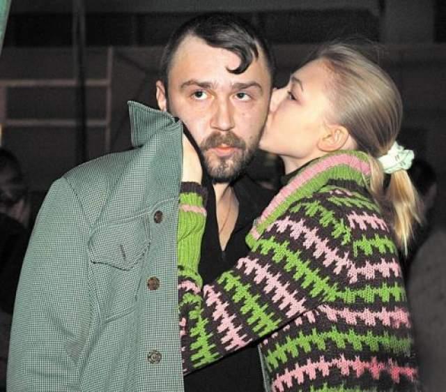 Жила с Сергеем Шнуровым