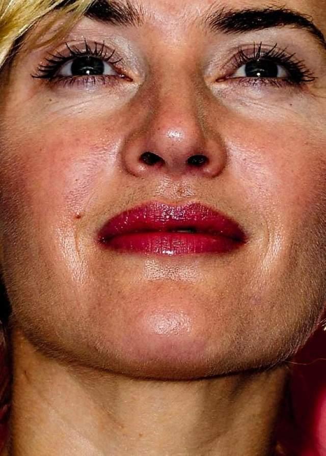 Кейт Уинслет ни раз говорила о том, что она противница любых пластических операций и любые возрастные изменения примет с готовностью.
