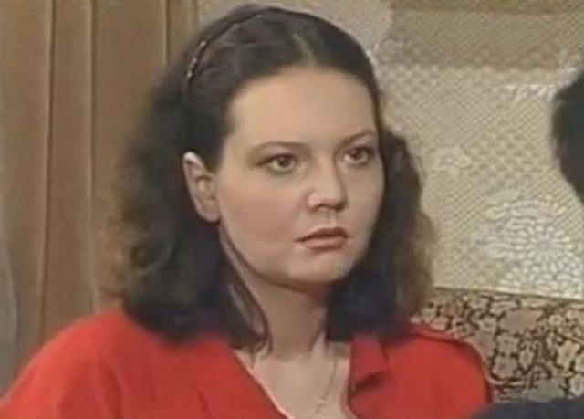 Умерла актриса от рака 23 ноября 1993 года. Похоронена на Введенском кладбище.