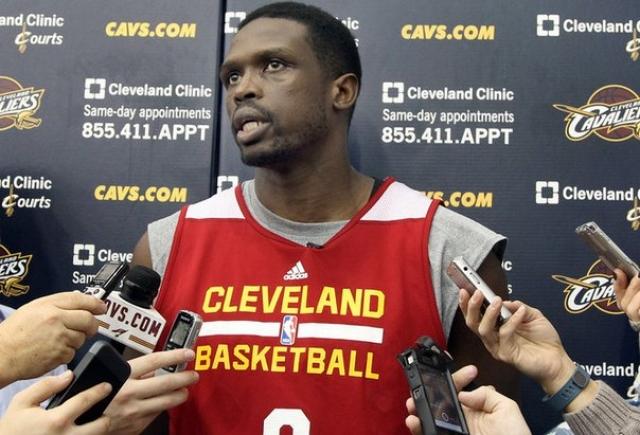 ... а затем в Великобританию, спасаясь от гражданской войны. Сейчас Луол выступает за баскетбольную команду Miami Heat.