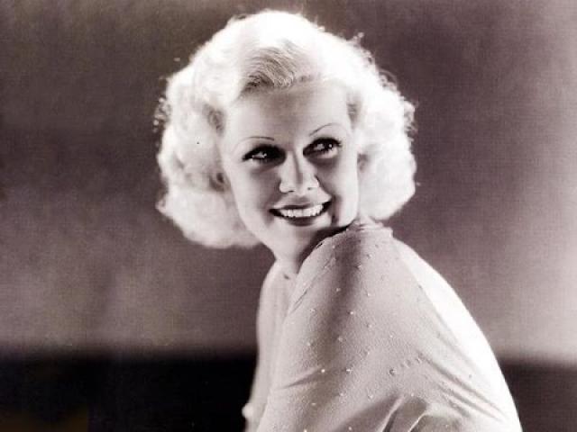 """Джин Харлоу. Одна из самых сексуальных актрис 1930-х во время съемок фильма """"Саратога"""" в 1937 году почувствовала недомогание."""
