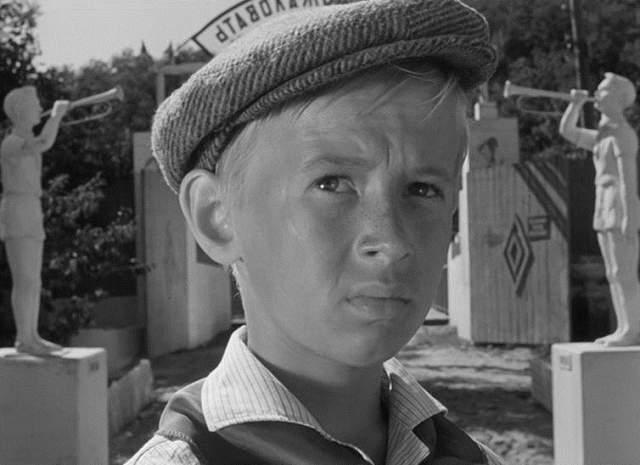 """""""Добро пожаловать, или Посторонним вход воспрещен"""". Виктор Косых (Костя Иночкин). Роль стала для 13-летнего юноши пропуском в кино, поскольку после он исполнил одну из главных ролей в культовой приключенческой ленте """"Неуловимые мстители""""."""