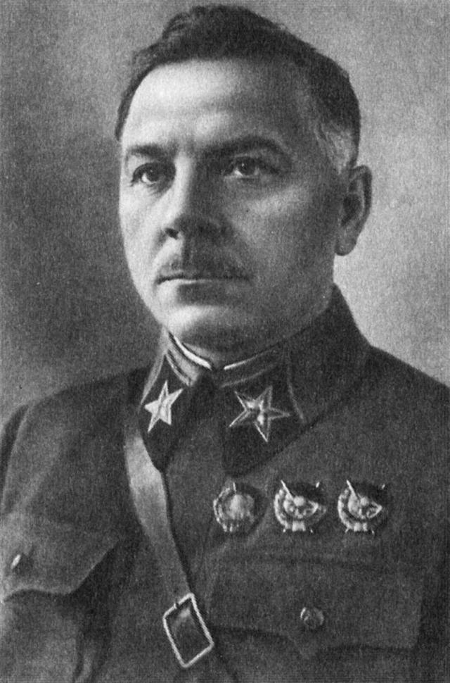Климент Ефремович Ворошилов.