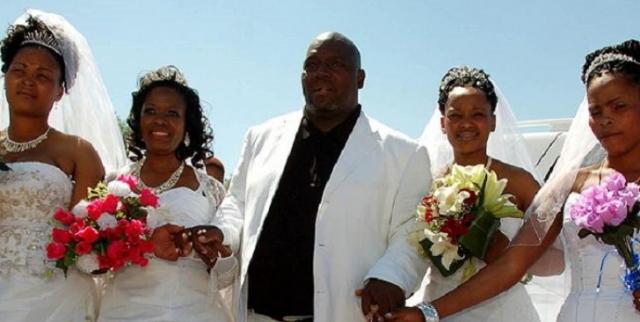 Многоженство. Успешный бизнесмен из Нигерии Уроко Оноджа был многоженцем, при этом все его супруги знали о существовании друг друга.