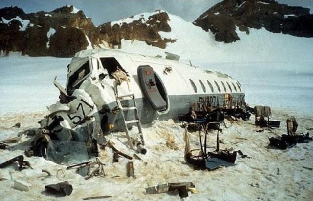 Из 40 пассажиров и 5 членов экипажа 12 погибли при катастрофе или вскоре после нее; затем еще 5 умерли на следующее утро.