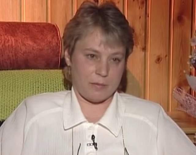 """Однако в 40 лет у Натальи Гундаревой появилась так называемая """"приёмная дочь"""" Ирина Дегтева. О ней писал муж Гундаревой Михаил Филиппов в книге воспоминаний """"Наташа"""": """"Жили-были старик со старухой. И не было у них детей""""."""