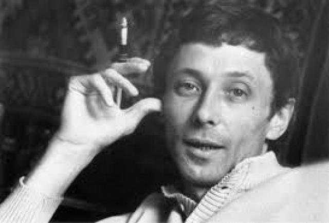 Актрисы, знавшие Даля, говорят, что он притягивал женщин как магнит. На съемках любого фильма половина группы - от ассистентов до ведущих актрис была влюблена в Олега.