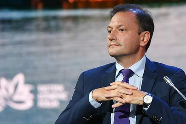 Брилев, будучи членом президиума Совета по оборонной политике России, оказывается, является также гражданином Великобритании. Кроме того, у телеведущего в Британии есть квартира.