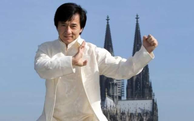 """Джекки Чан Мегапопулярный китайский актер снялся в рекламе """"Лаборатории Касперского"""". Правда, рекламный ролик транслировался в основном в Китае, а не в России."""