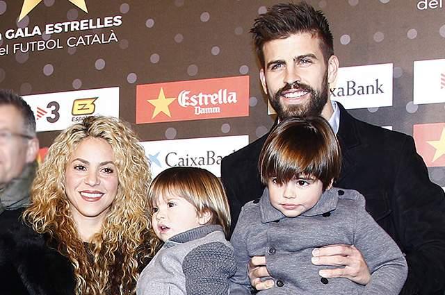 """В 2013 году у них родился сын Милан, в 2015-м - Саша. Причин, по которым пара все еще не поженилась, объективных нет, и сами они никак не комментируют свои отношения """"вне закона""""."""