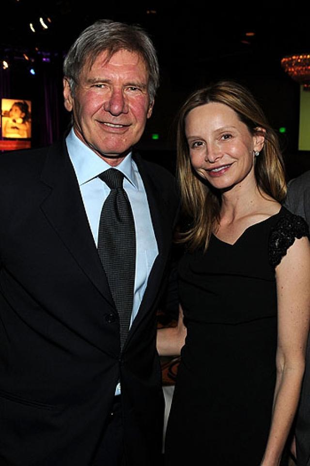 Харрисон Форд и Калиста Флокхарт. Между супругами такая же возрастная разница. 69-летний голливудский герой и 47-летняя актриса поженились в 2010 году.