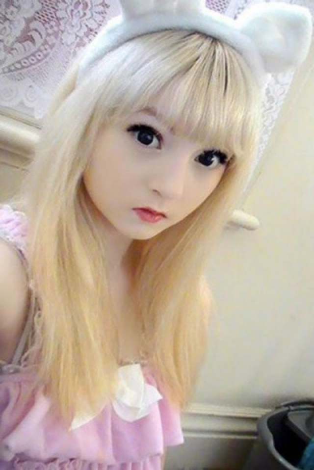 Венера Изабелла Палермо. Венера родом из Великобритании. После двух лет, проведенных в Японии ее стиль и прическа стали напоминать героев аниме.