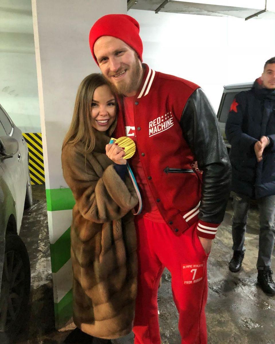 фото бывшей жены хоккеиста карина малоизвестный, очень интересный
