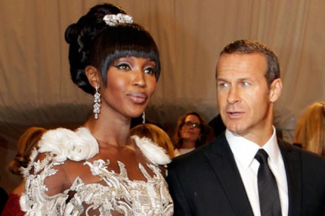 С Наоми Доронин познакомился на Каннском кинофестивале 2008 и, говорят, что это была любовь с первого взгляда. Олигарх сразу приступил одаривать возлюбленную дорогими украшениями с бриллиантами, недвижимостью и т.д.